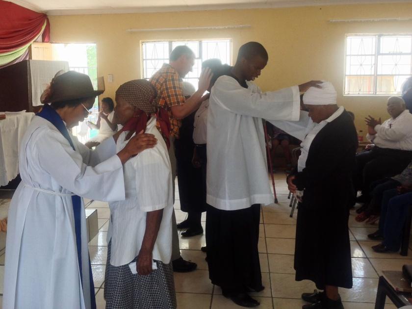 Gebet mit Handauflegung für Kranke