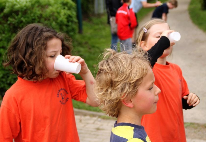 Erfrischungen beim Sponsorenlauf in Hameln